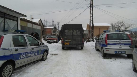 Na licu mesta je veliki broj policajaca