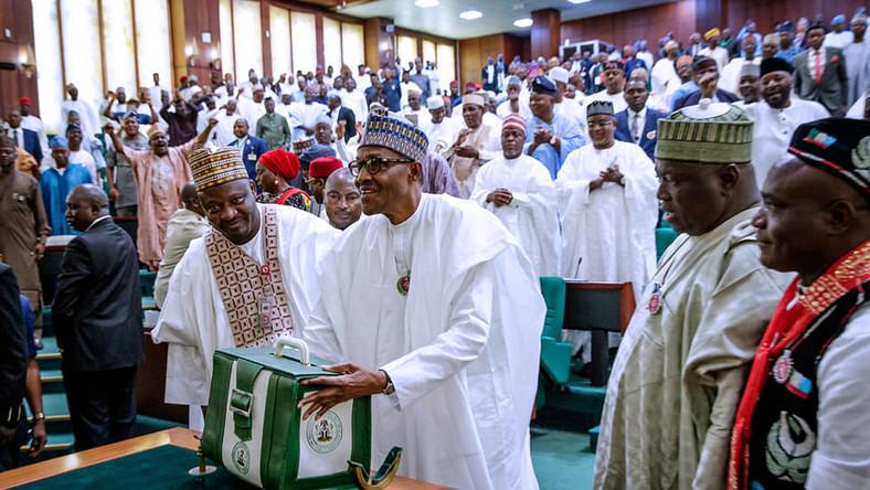 President Buhari presents 2019 budget before Nigerian lawmakers, December 19, 2018.