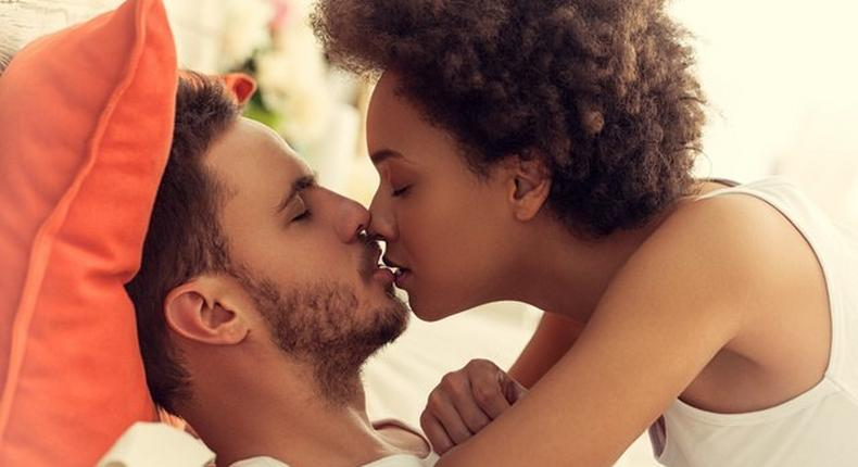 7 important rules of friends-with-benefits relationships  [FWB Rules]