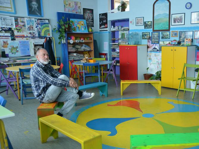 UČITELJ IZ PRIJEPOLJA u trci za nagradu za najboljeg nastavnika sveta: Na časovima sedimo u krugu, a decu učim da brane svoje stavove