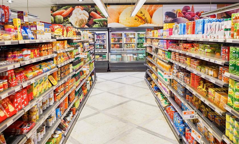Zakaz handlu w niedziele. Kolejne sieci otwierają sklepy jako placówki pocztowe