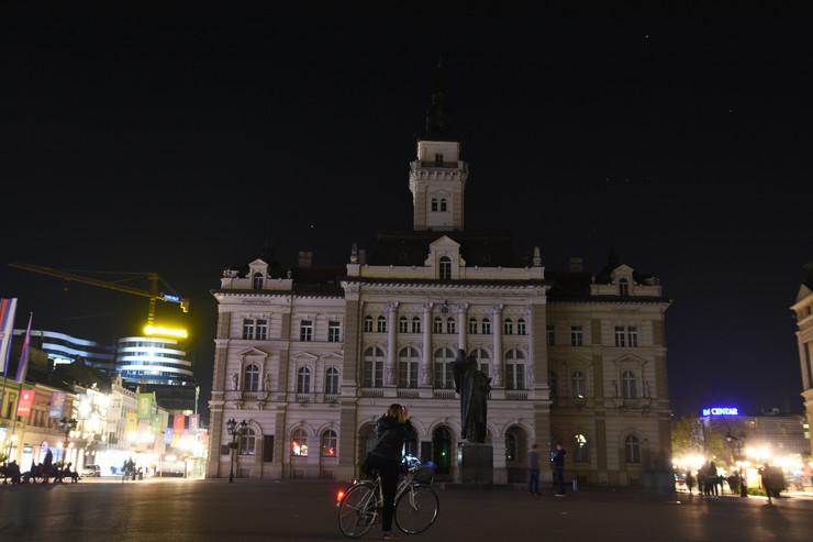 Novi Sad881 sat vremena za planetu gradska kuca bez svetla foto Nenad Mihajlovic