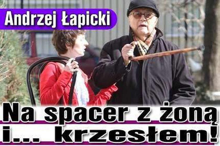Andrzej Łapicki. Na spacer z żoną i... krzesłem!