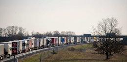 Dramatyczna sytuacja przed granicą w Świecku. Burmistrz Słubic chce jej całkowitego zamknięcia