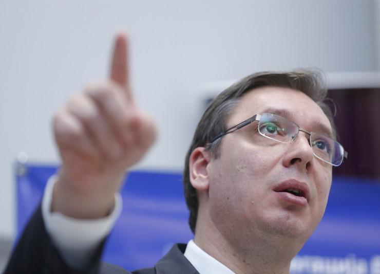 Aleksandar Vučić, Johanes Han