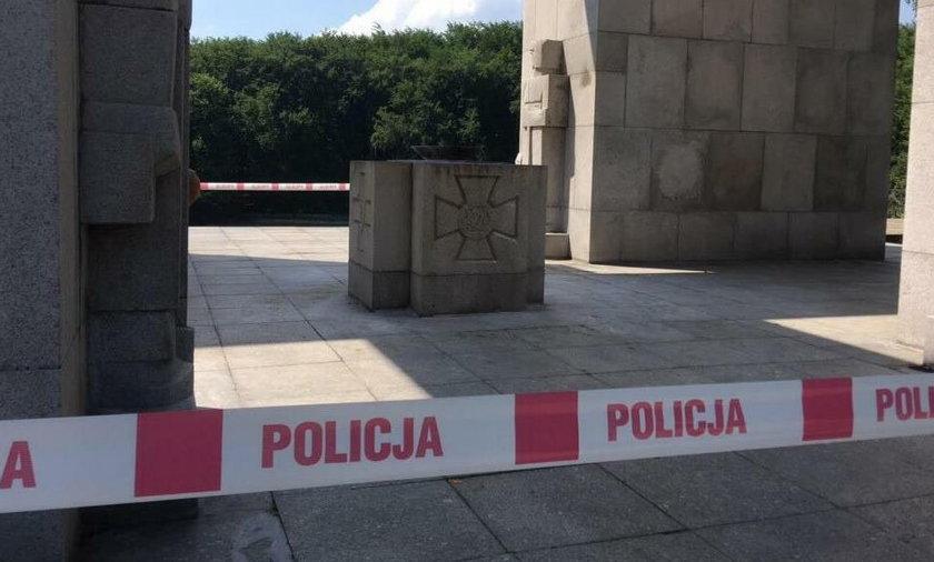 Wybuch pod pomnikiem