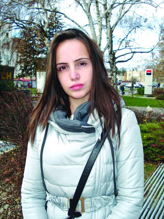 Miljana je u bolnici provela mesec dana, a i danas, godinu i po posle teškog udesa koji je jedva preživela, ide na rehabilitacije