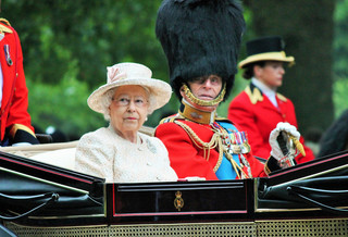 Wielka Brytania: Rząd opóźni o kilka dni mowę tronową królowej