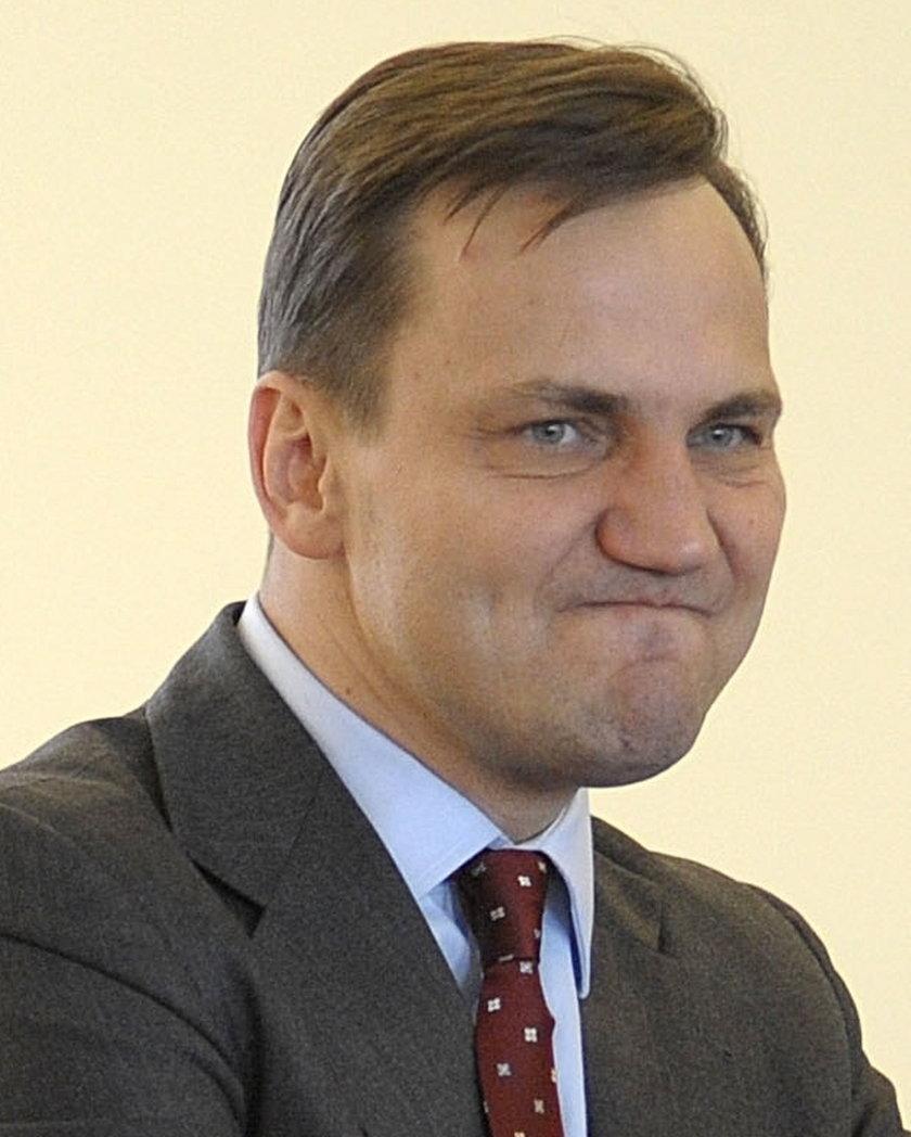 Sikorski atakuje prezesa PiS i ministrów Szydło