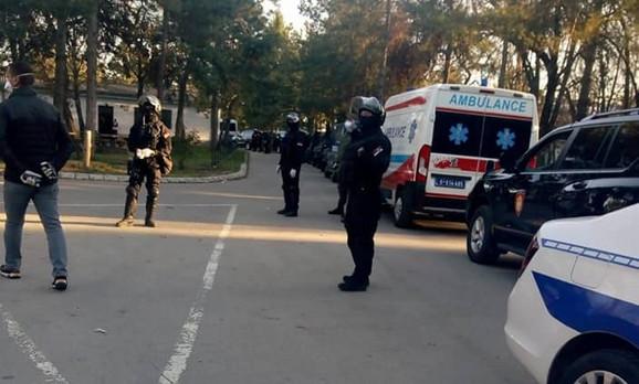 Jake snage bezbednosti u Centru za azilante u Obrenovcu