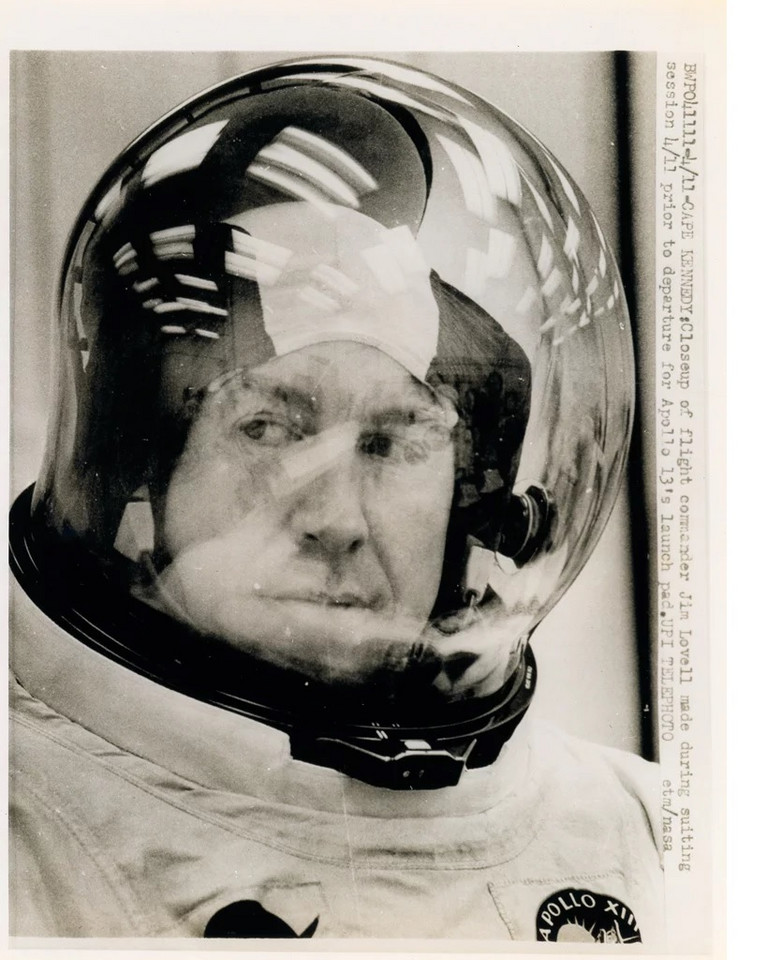 Astronauta Neil Armstrong (fot. Swann Galleries)
