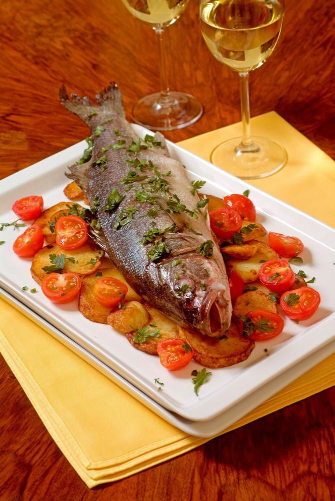 Za glavno jelo za svetog Nikolu obično se služi riba i morski plodovi pripremljeni na razne načine