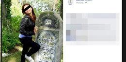 Pozowały do wyzywających zdjęć na cmentarzu żydowskim