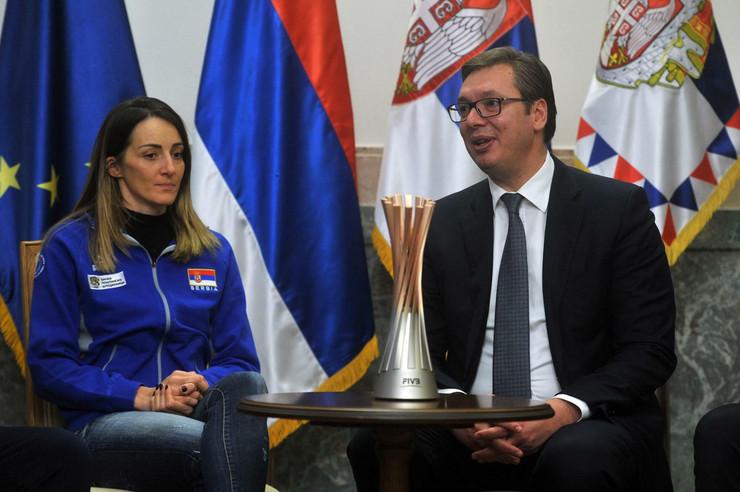 Aleksandar Vučić, Ženska odbojkaška reprezentacija Srbije