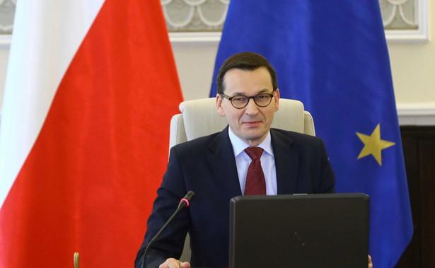 Prezydent Rosji Władimir Putin wielokrotnie kłamał na temat Polski. Zawsze robił to w pełni świadomie. Zwykle dzieje się to w sytuacji, gdy władza w Moskwie czuje międzynarodową presję związaną ze swoimi działaniami – oświadczył premier Mateusz Morawiecki.