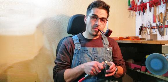 Darko Milovanović sam naučio da izrađuje lule