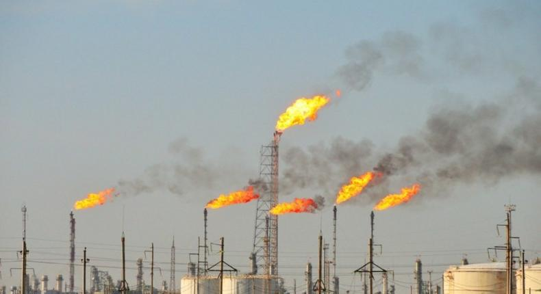 image of gas flaring used to illustrate the story (The Huffington Post)