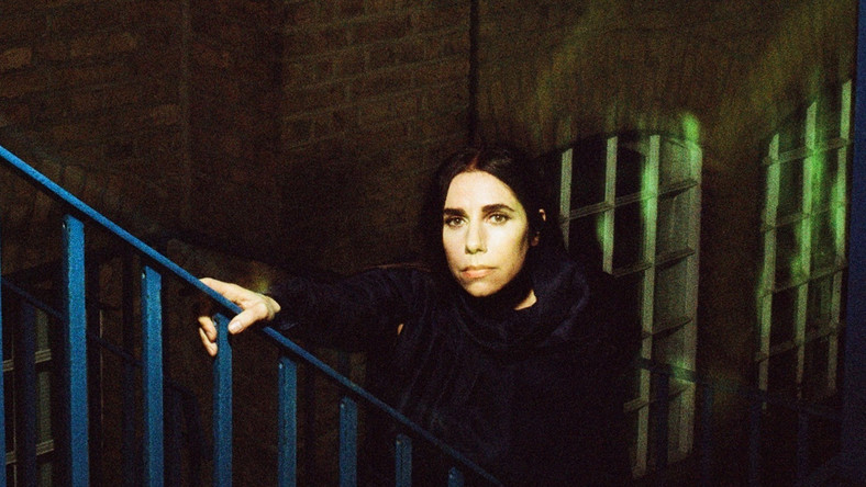 "PJ Harvey przedstawia klip do ""The Community of Hope"""