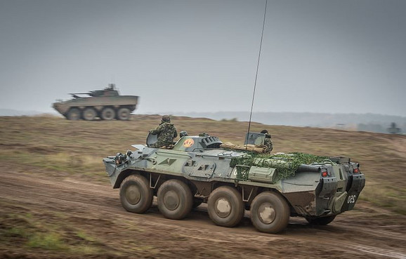 Ukrajinski oklopni transporter BTR-80