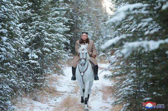 Kim Džong Un na konju
