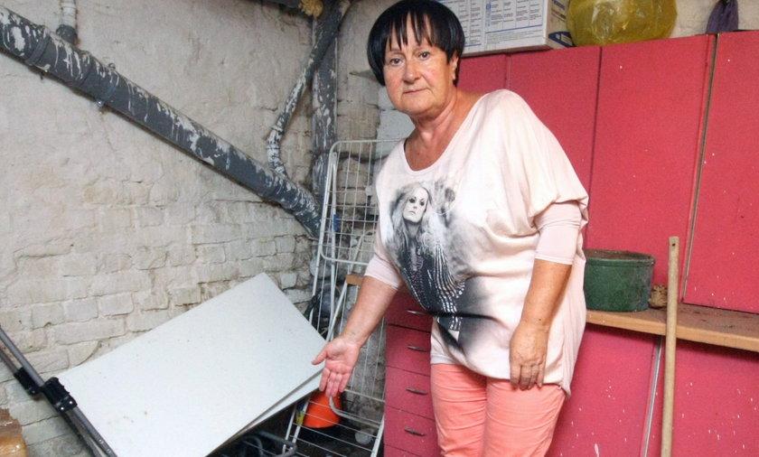 W Jeleniej Górze firma czyściła kanały i cofnęła szambo do mieszkań.
