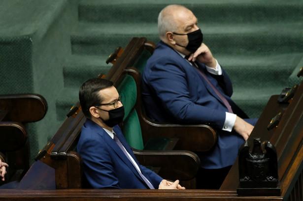 Premier Mateusz Morawiecki i minister aktywów państwowych Jacek Sasin