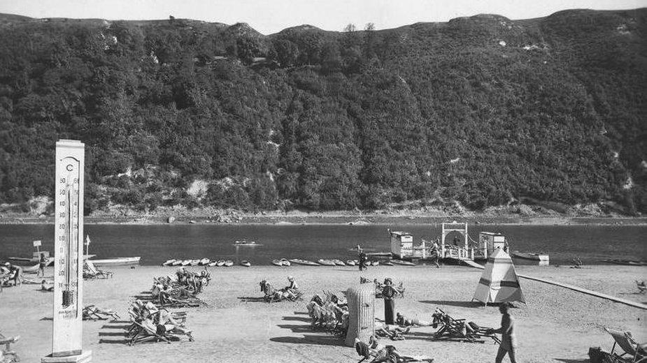 Lato w 1921 r. był najgorętsze w historii Polski. Na zdjęciu termometr w Zaleszczykach pokazujący 50 stopni Celsjusza (w słońcu)