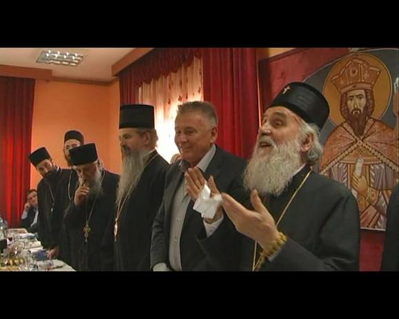 Proslava osvešćenja nove crke u Ljubiću kod Čačka organizovana u restoranu