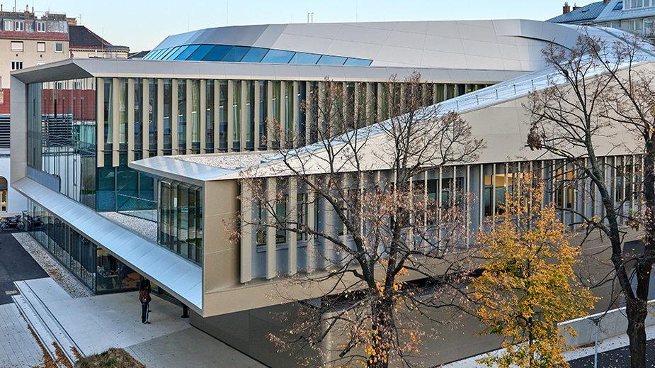 Jest jak dzieło sztuki. Futurystyczny budynek Uniwersytetu w Wiedniu