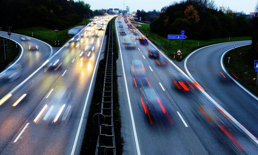 Jednym z niewielu krajów,  w których przejazd autostradą jest darmowy, są Niemcy.