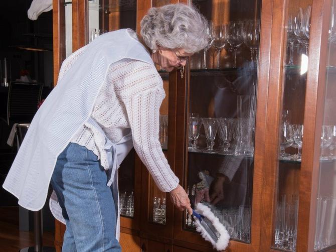 Nena (55) je bila učiteljica u penziji bez ušteđevine: Dobila je ponudu za posao koja se NE ODBIJA i uskoro je živela u NOĆNOJ MORI