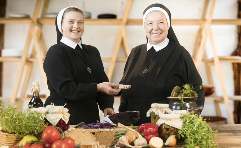Siostra Anastazja i siostra Salomea (następczyni siostry Anastazji) (fot. Dariusz Kobucki/Wydawnictwo WAM)
