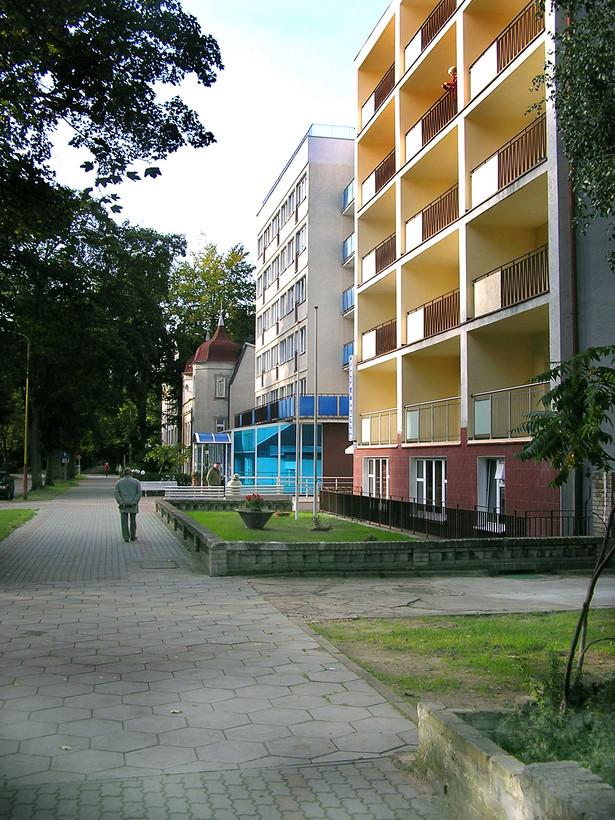 O podwyższeniu opłat od zajmowanych lokali spółdzielnia mieszkaniowa zawiadomi na piśmie z minimum trzymiesięcznym wyprzedzeniem.