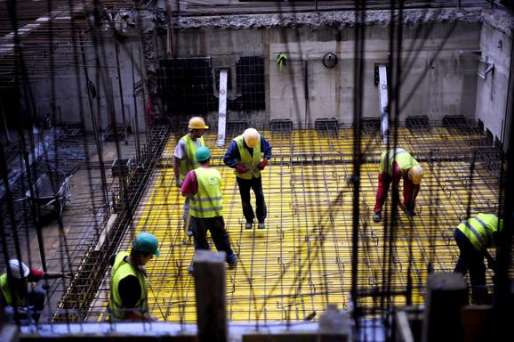 Cenjeni i radnici na gradilištu
