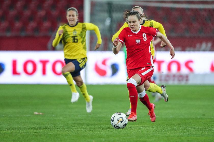 Pajor w 2015 roku przeniosła się z Medyka Konin do bardzo silnego Wolfsburga, a w Niemczech zdiagnozowano u niej niedobory żelaza.