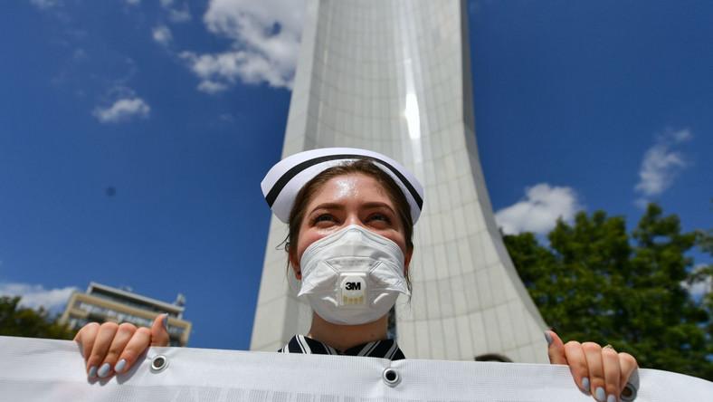 Manifestacja pracowników całego środowiska medycznego pod Sejmem