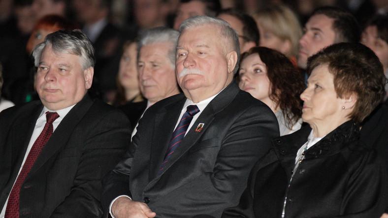 Onyszkiewicz: Lech Wałęsa ma prawo do obrony