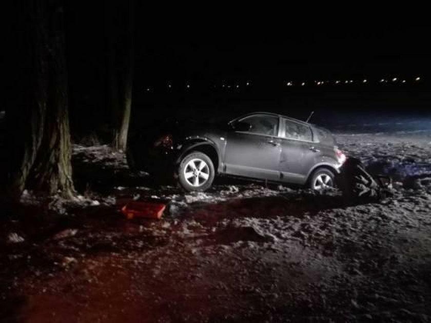 Wjechał autem w 4-osobową rodzinę i uciekł. Są ranni