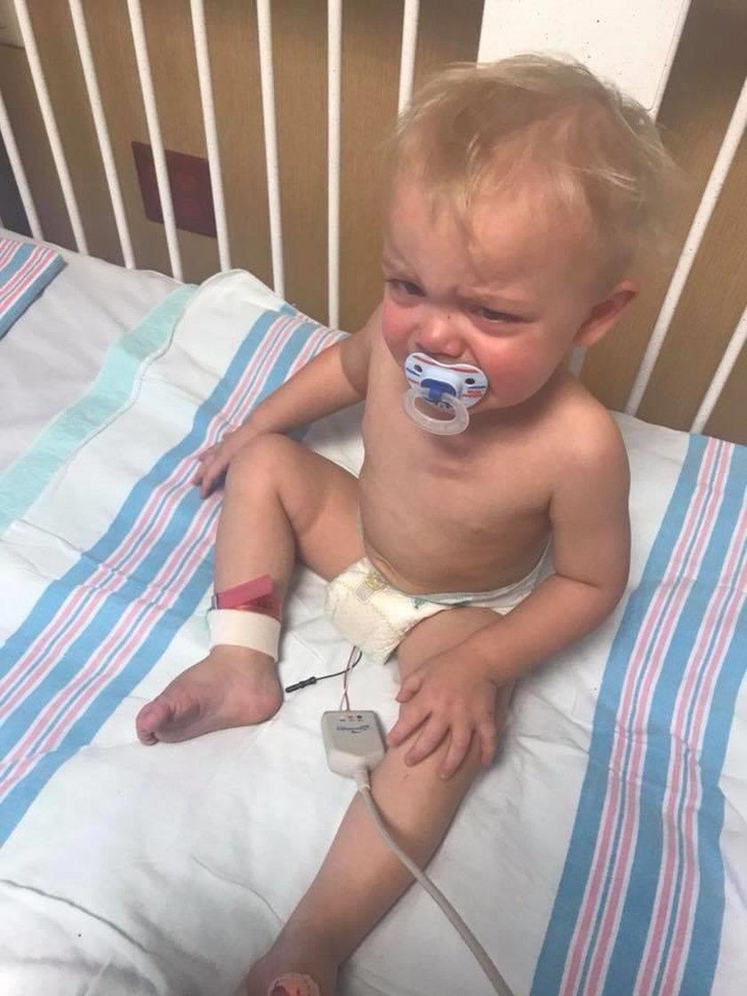 Nie zaszczepiła syna, teraz walczy o jego życie