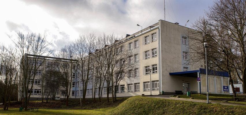 Zginął pacjent gdańskiego szpitala psychiatrycznego na Srebrzysku. Mężczyzna spadł lub zeskoczył z komina