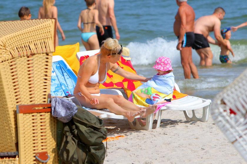 Ewa Pacuła na plaży w Jastarni