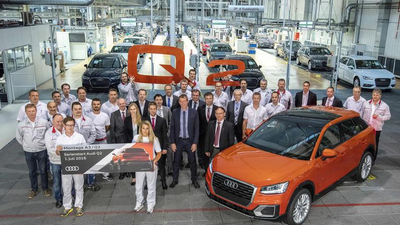Zakłady w Ingolstadt to największa fabryka koncernu Audi AG i druga pod względem wielkości fabryka samochodów w Europie. Niemiecka marka produkuje tam ponad pół miliona pojazdów rocznie. Co 30 sekund z taśmy w Ingolstadt zjeżdża nowe auto - dziennie ponad 2500 egzemplarzy.Wynik ten ulegnie zmianie bowiem w mateczniku niemieckiej firmy ruszyła seryjna produkcja nowego audi Q2...
