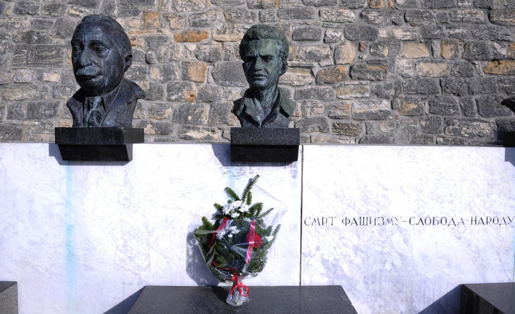 spomenik kalemegdan grobnica narodnih heroja