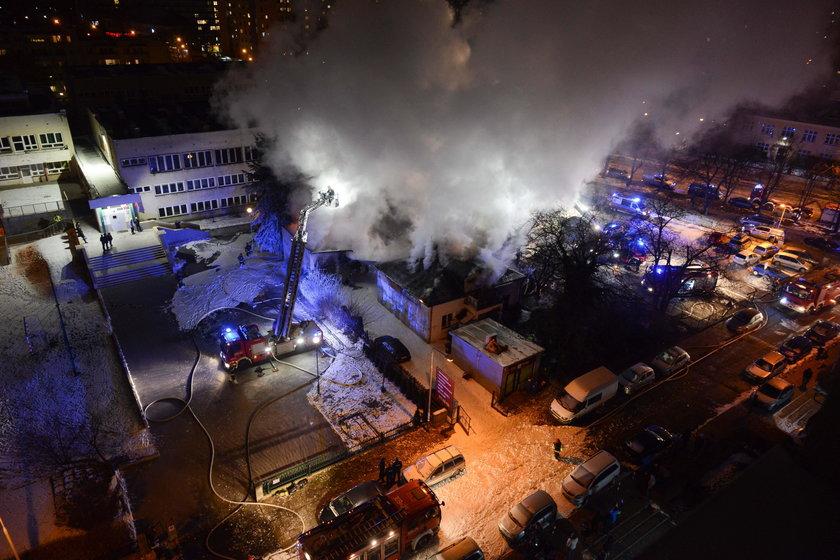 Samochody wyleciały w powietrze. Wielki pożar na Służewie