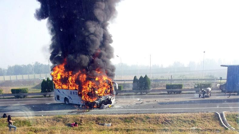 Pomoc przybyła za późno. Świadkowie opowiadali, że płomienie ba szybko ogarnęły autokar