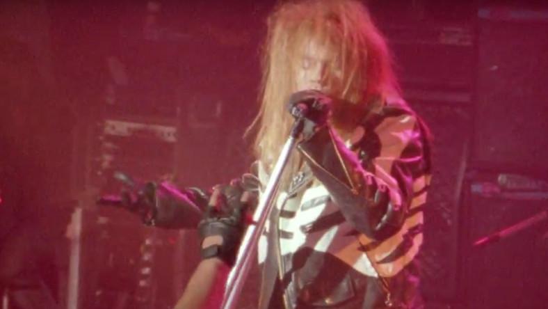 "Kadr z teledysku Guns N' Roses ""It's So Easy"""