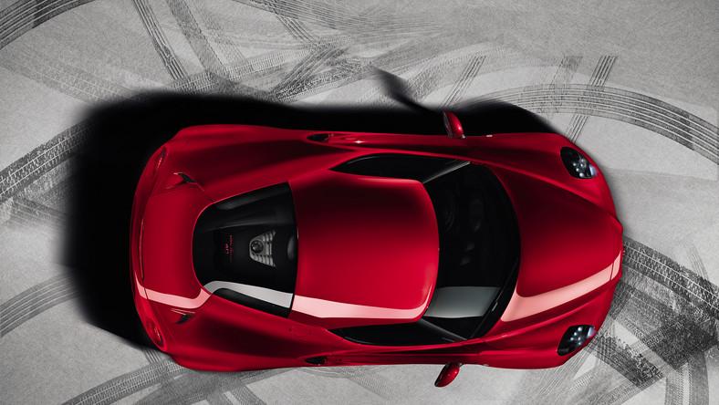 Wreszcie! Fani włoskiej marki ten dzień w kalendarzu mogą zaznaczyć na czerwono. Oto seksowny obiekt pożądania - długość poniżej 4 metrów, szerokość 200 cm, wysokość 118 cm i rozstaw osi mniejszy niż 2,4 metra. Tak, tak Alfa Romeo ujawniła produkcyjny wygląd 4C coupe. Nowość z Italii jest dwuosobowym autem z napędem na tylne koła i centralnie umieszczonym - krótko mówiąc to klasyczna maszyna do dawania frajdy z jazdy...