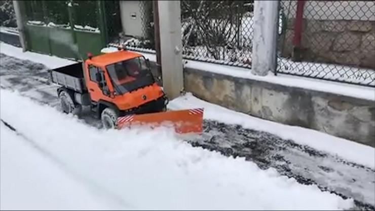 Kamion za ciscenje snega