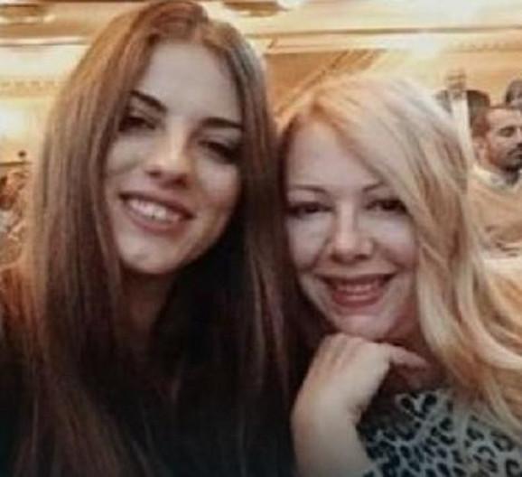 Sandra Mitrović Hani danas sa ćerkom Sandrom