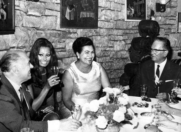 Tito i Jovanka sa Sofijom Loren